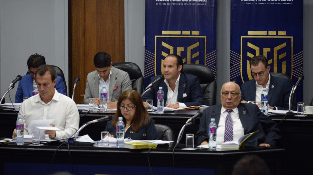 La Federación Ecuatoriana de Fútbol cambia el sistema de control de los roles de pago