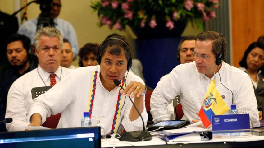 Rafael Correa y Ricardo Patiño, aunque no tienen sentencias, por estar prófugos tienen complicada su participación en las próximas elecciones.