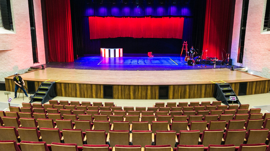 Teatro Benjamín Carrión de Loja reanuda funciones