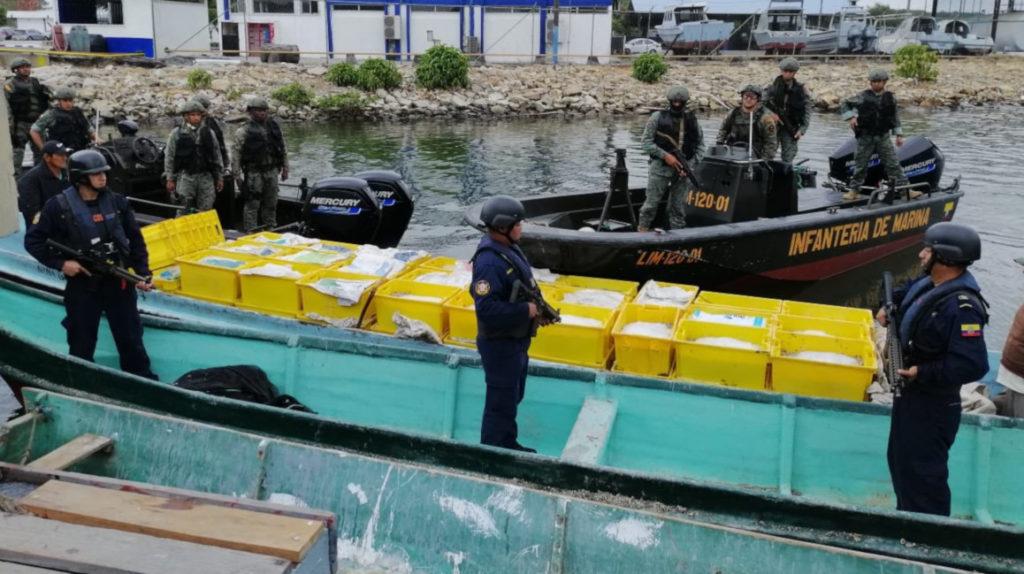 """Delincuencia obliga a tener """"custodia armada"""" hasta para transportar camarón"""