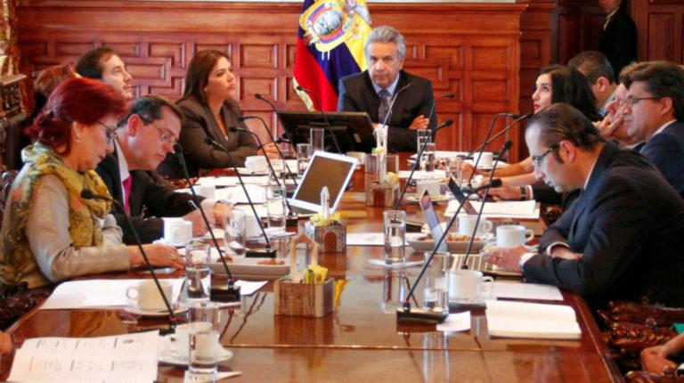 El 17 de octubre de 2017 el presidente Moreno recibió los primeros resultados entregados por el Frente de Transparencia y Lucha contra la Corrupción.