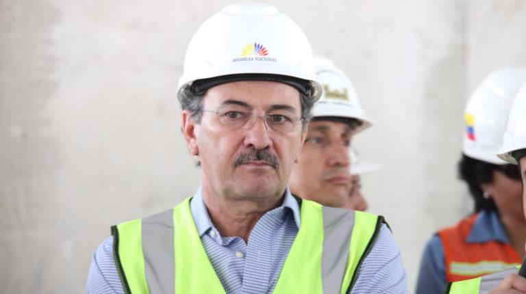El excontralor Carlos Pólit durante un recorrido en las obras del Complejo Legislativo, en 2013.