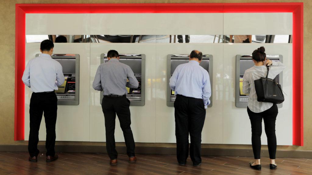 Sistema bancario está sano y líquido, señala presidente de Asobanca