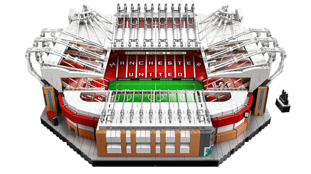 Lego lanza su primer estadio de fútbol: el 'Old Trafford'