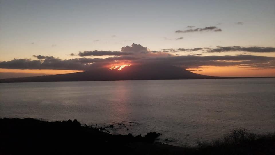 Erupciona el volcán La Cumbre, en las Islas Galápagos