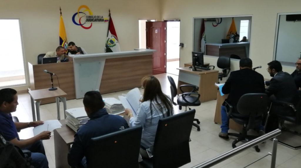 Padre de Gabriela Rivadeneira quedó en libertad, pero tiene prohibición de salida del país
