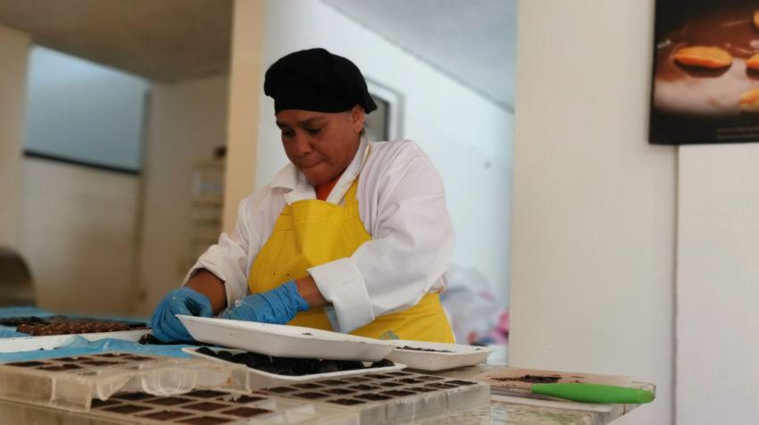 Karina Valverde es la trabajadora más antigua de la empresa