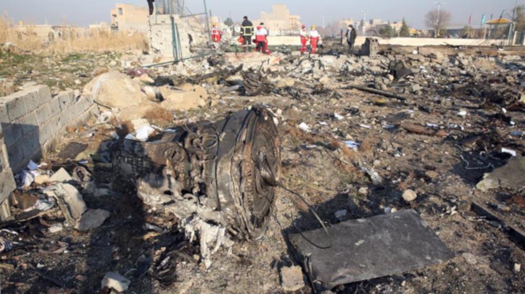 Versiones contradictorias en torno a causa de accidente aéreo en Irán