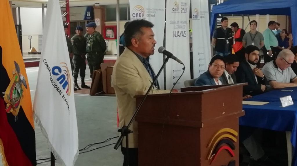 Luis Loyo movía cargos y resultados en el CNE