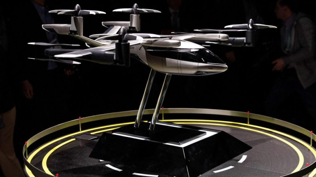 Taxis aéreos: Uber usará autos voladores para el 2023