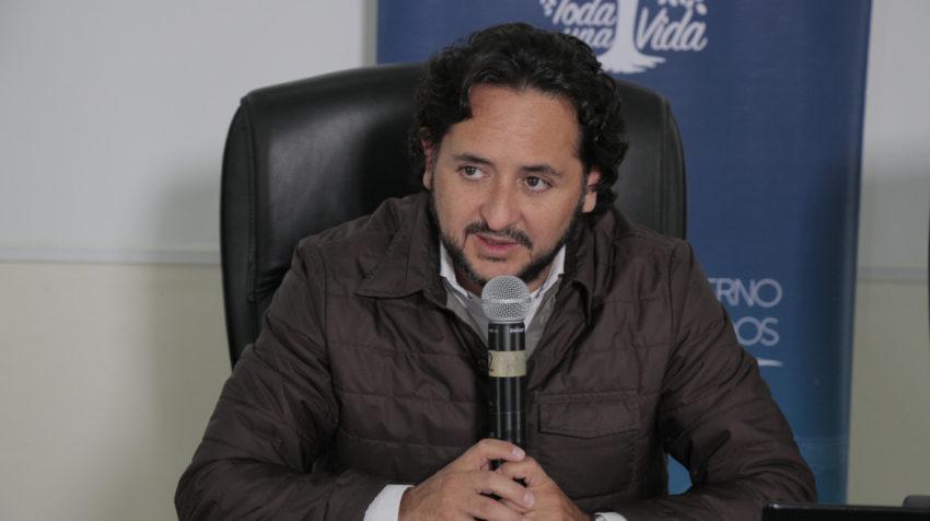 Este 29 de febrero de 2020, el Ministro de Telecomunicaciones, Andrés Michelena, informa la apertura de la línea 171 para atender síntomas relacionados al coronavirus.
