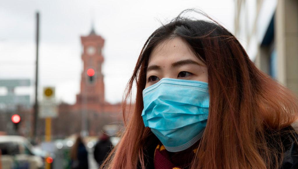 """OMS eleva de """"alto"""" a """"muy alto"""" el riesgo de expansión del coronavirus"""