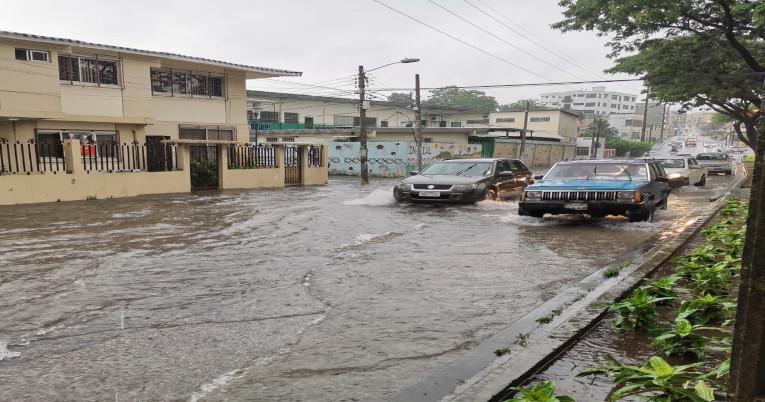 El Inamhi prevé nuevas lluvias en Guayaquil y otras provincias de la Costa durante el fin de semana.