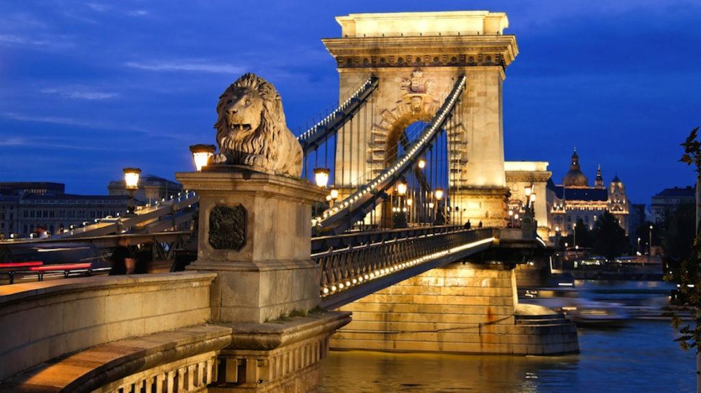 El puente más antiguo de Budapest recibe luz verde para el Giro 2020
