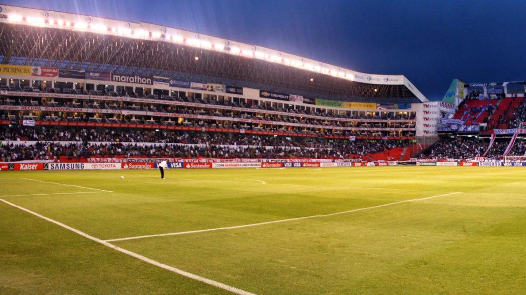 Las Eliminatorias causan conflicto en los dueños de suites del estadio de Liga