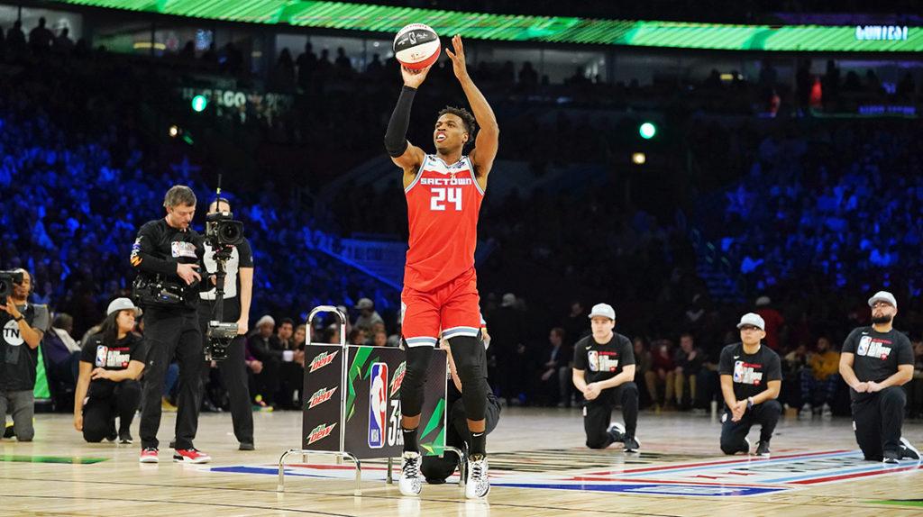 Hield gana el concurso de triples y la NBA homenajea a Kobe Bryant