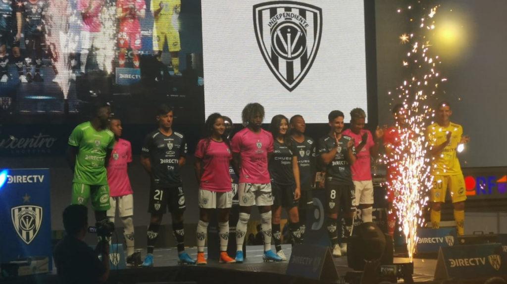 Independiente del Valle presentó su uniforme con la estrella de la Sudamericana