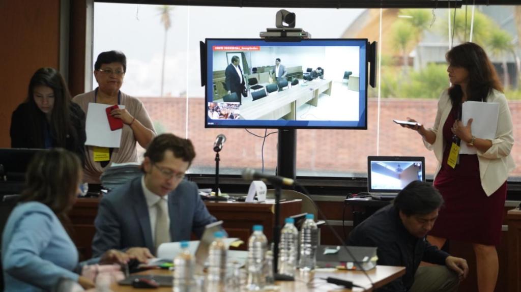 Juicio por sobornos se suspende por recusación planteada por Correa