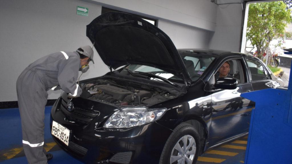 Suspendida la revisión vehicular para autos particulares en 2020