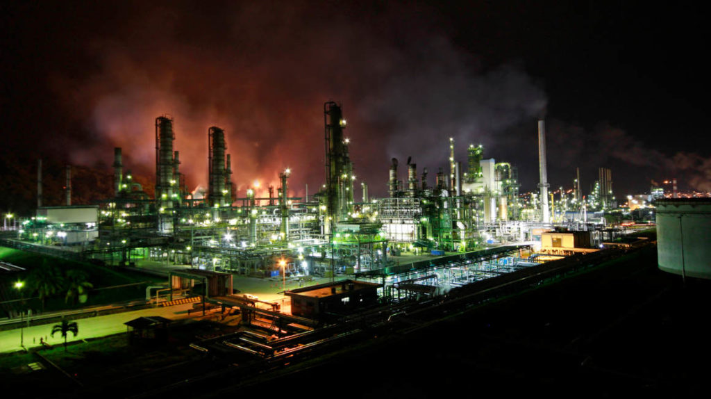 La producción petrolera del país crece pero lentamente
