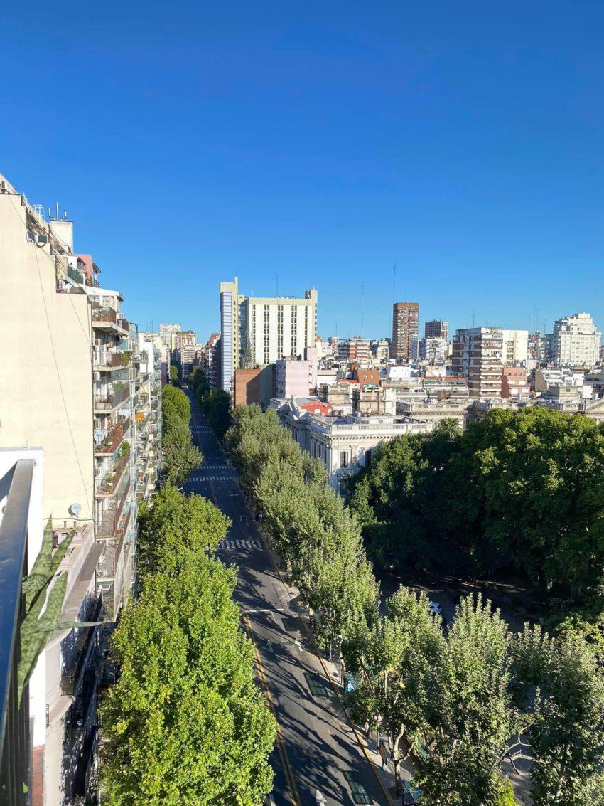 La vista desde el apartamento donde Cecilia Freire se hospeda momentáneamente en Buenos Aires.