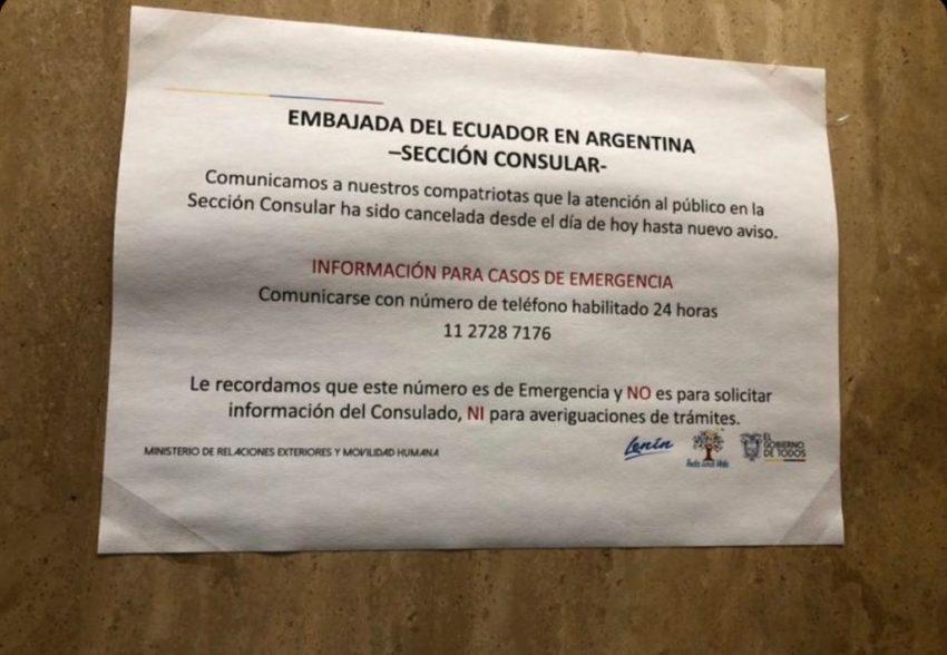 En la Embajada en Argentina este aviso recibe a los ecuatorianos que buscan ayuda para regresar al país.