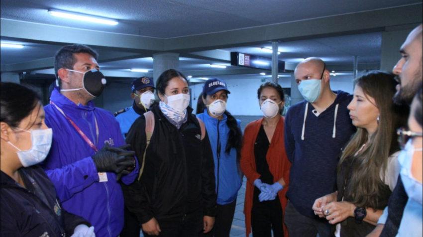 Servidores del Patronato San José y del MIES prepararon un albergue para personas en situación de calle, en Quito.