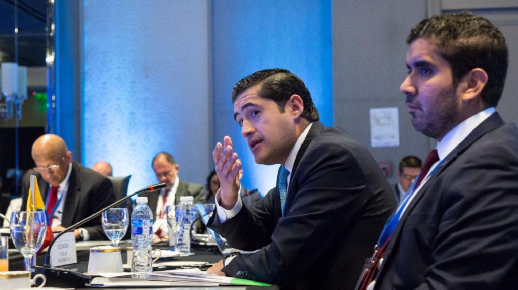 Ecuador debe pagar USD 1.230 millones por deuda pública en marzo
