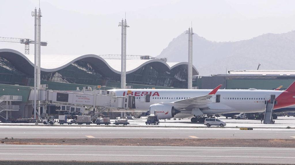 Tres vuelos de Iberia llegarán para llevar pasajeros hacia a Madrid