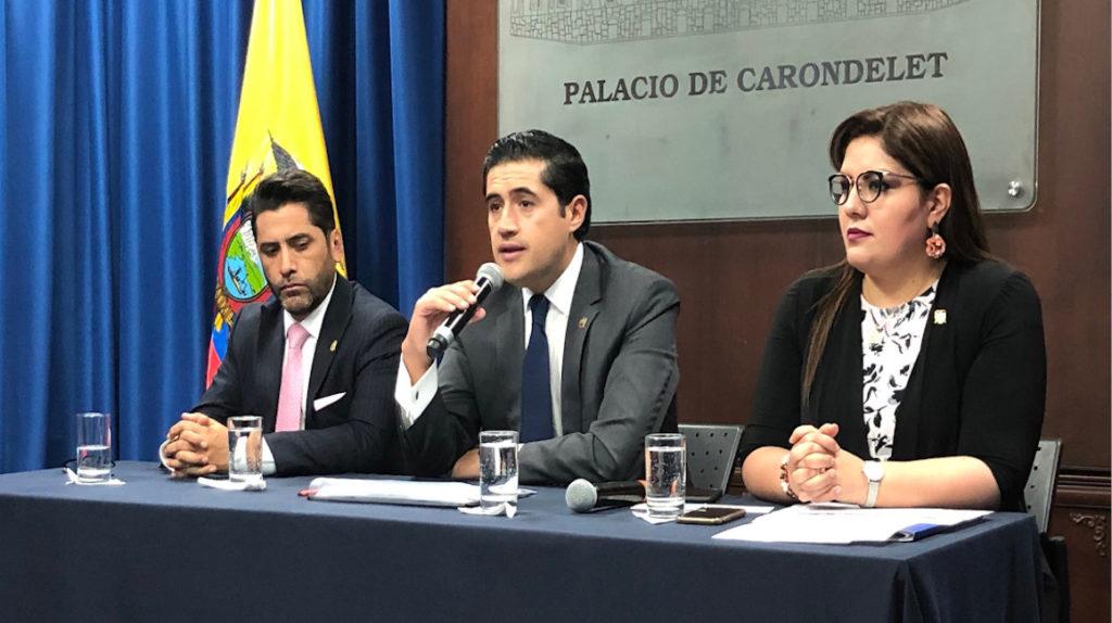 Ecuador negocia con China vencimiento de su deuda bilateral