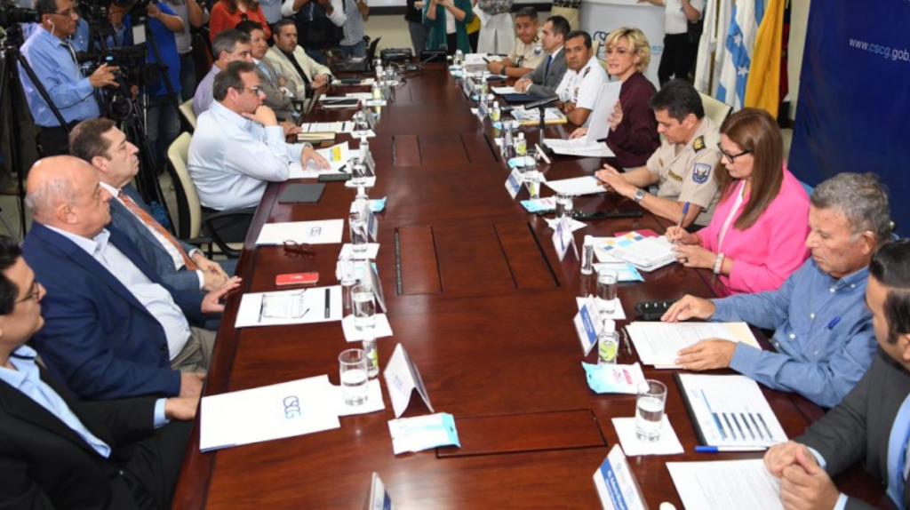 Prohibición de dos hombres en moto se ampliará en Guayaquil