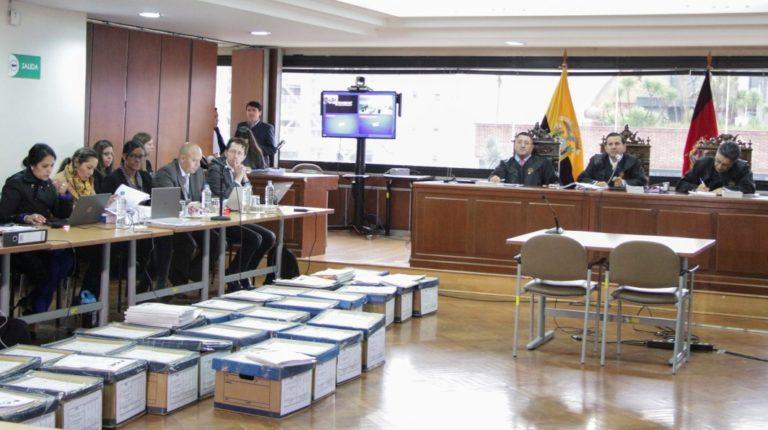 El equipo de la Fiscalía y el Tribunal de la Corte Nacional durante el juicio del caso Sobornos, en Quito.