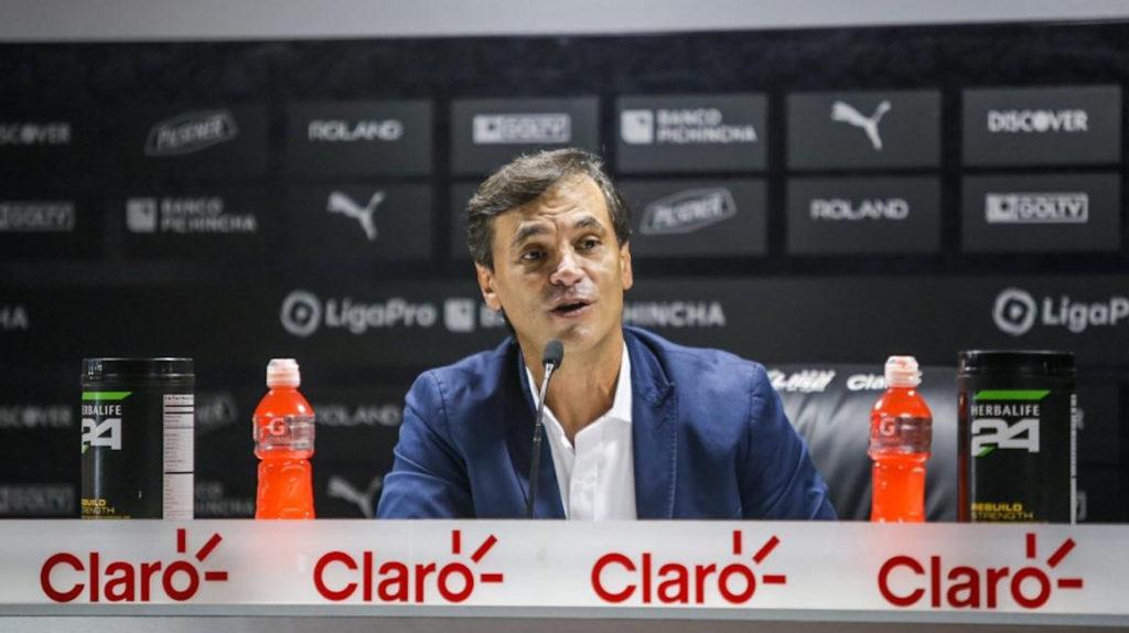 """Fabián Bustos dijo que le """"robaron"""" y Liga de Quito se enojó"""