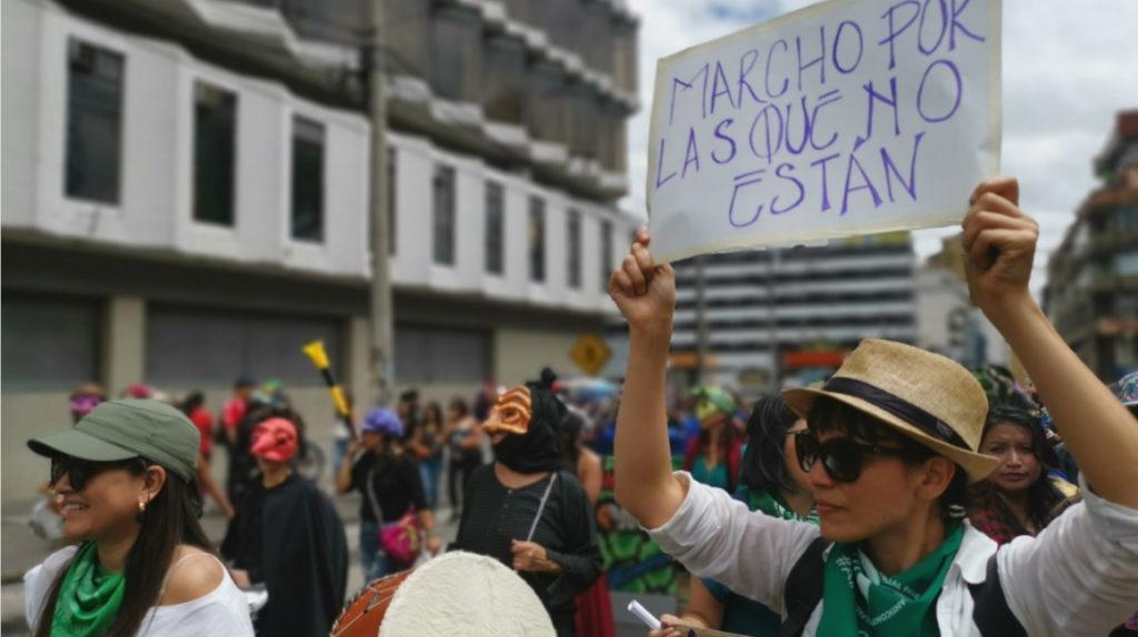 Mujeres mostraron su diversidad en marcha por el 8M en Quito