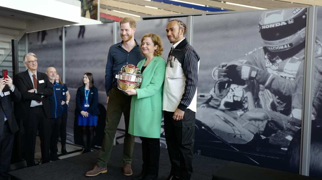Príncipe Enrique y Lewis Hamilton inauguran museo de Silverstone