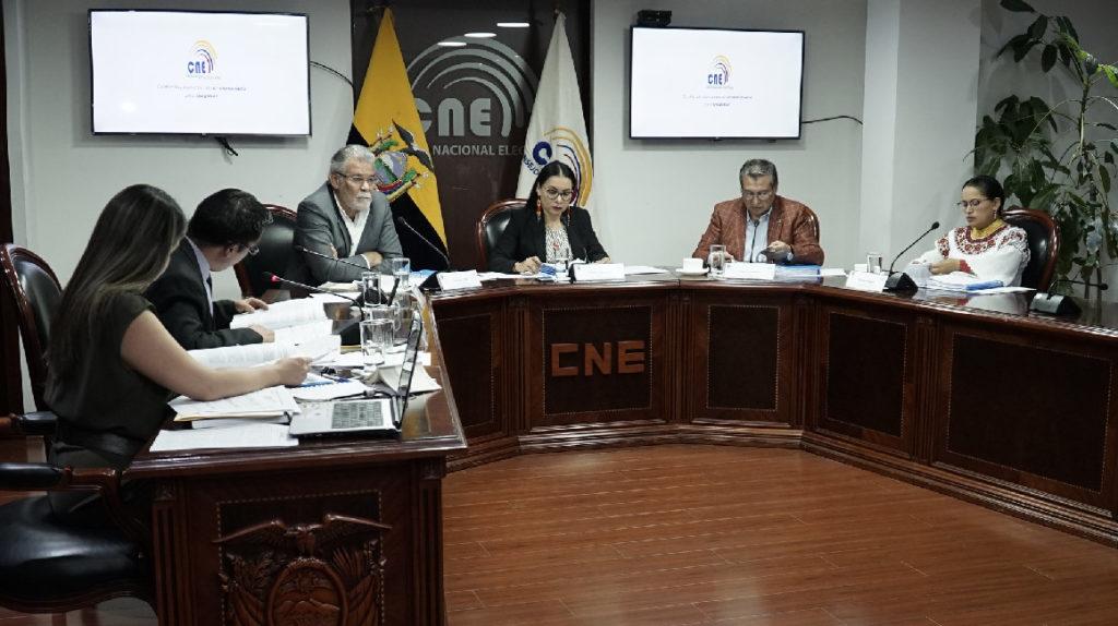 El Contencioso Electoral 'regaña' al CNE y anula otra de sus resoluciones