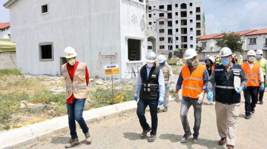 El ministro de Producción, Iván Ontaneda, visitó el proyecto Terranova, el 28 de abril.