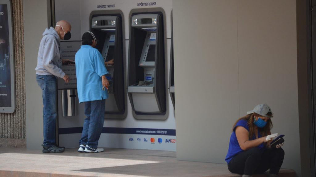 Reprogramación de créditos por correo electrónico preocupa a entidades financieras