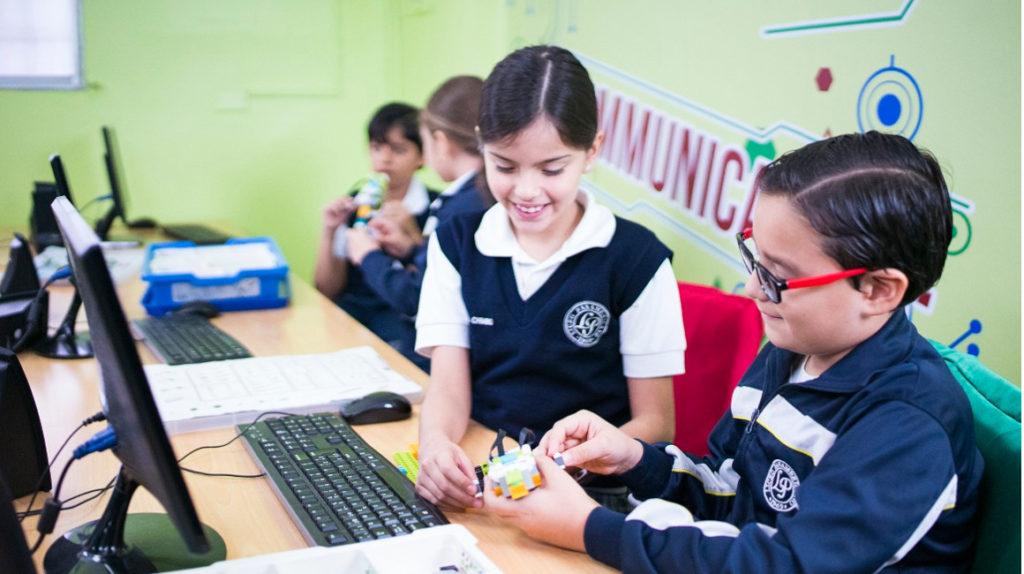 Clases en la Costa iniciarán con dudas de padres y maestros