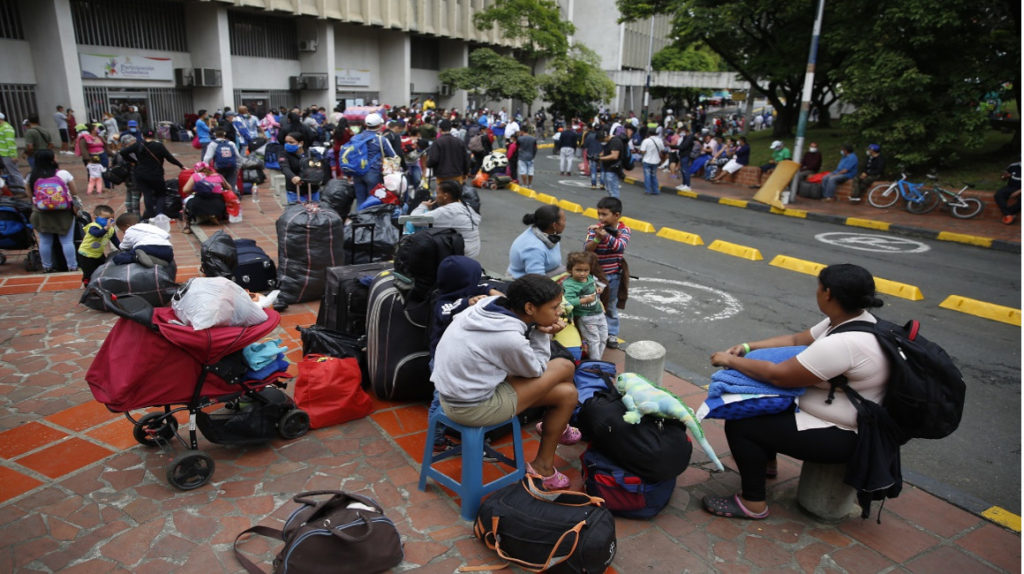 Ecuador reconoce que inmigrantes venezolanos buscan regresar a su país