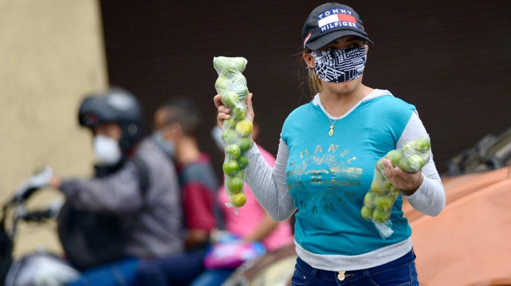 El pecado de ser vendedor informal en las calles de Guayaquil