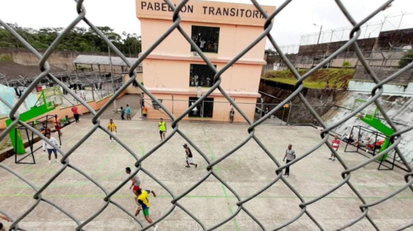 Campeonato de ecuavoley entre los detenidos del CRS de Sucumbíos.