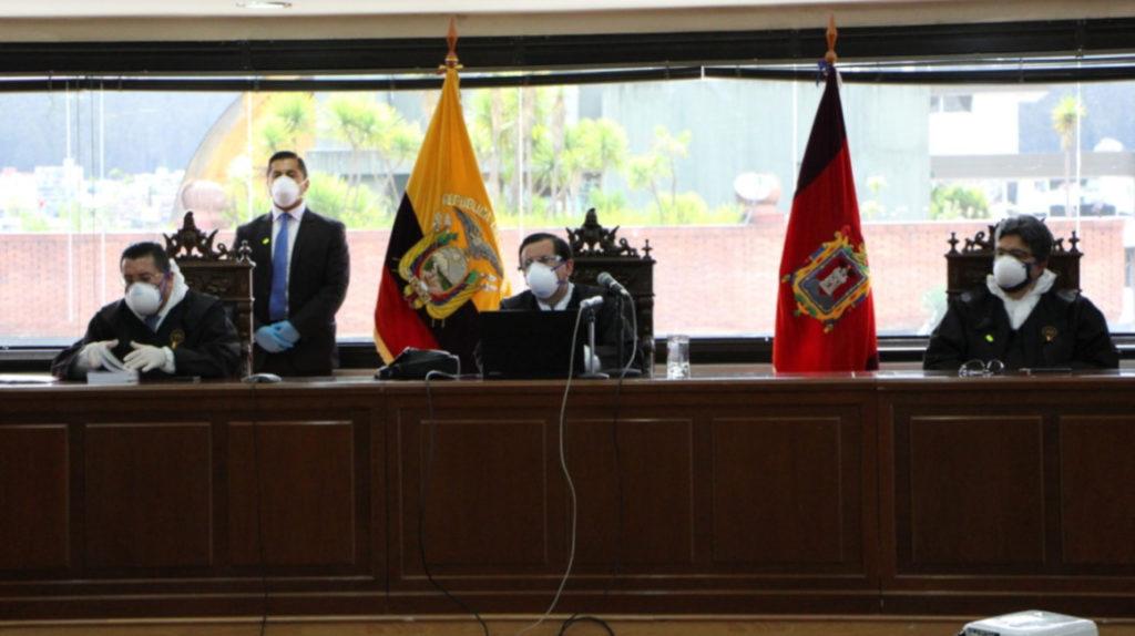 Rafael Correa sentenciado a ocho años de cárcel por sobornos