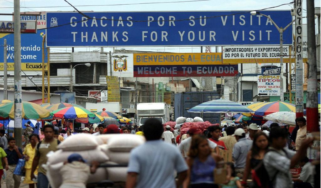 Gobierno restringe paso fronterizo con Perú, excepto el transporte de carga