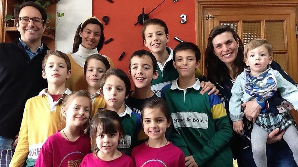 Un matrimonio español y sus once hijos se recuperan del Covid-19
