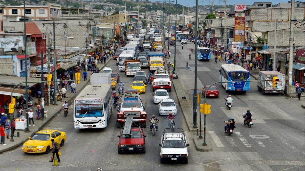Transportistas deponen la suspensión parcial del servicio en Guayaquil
