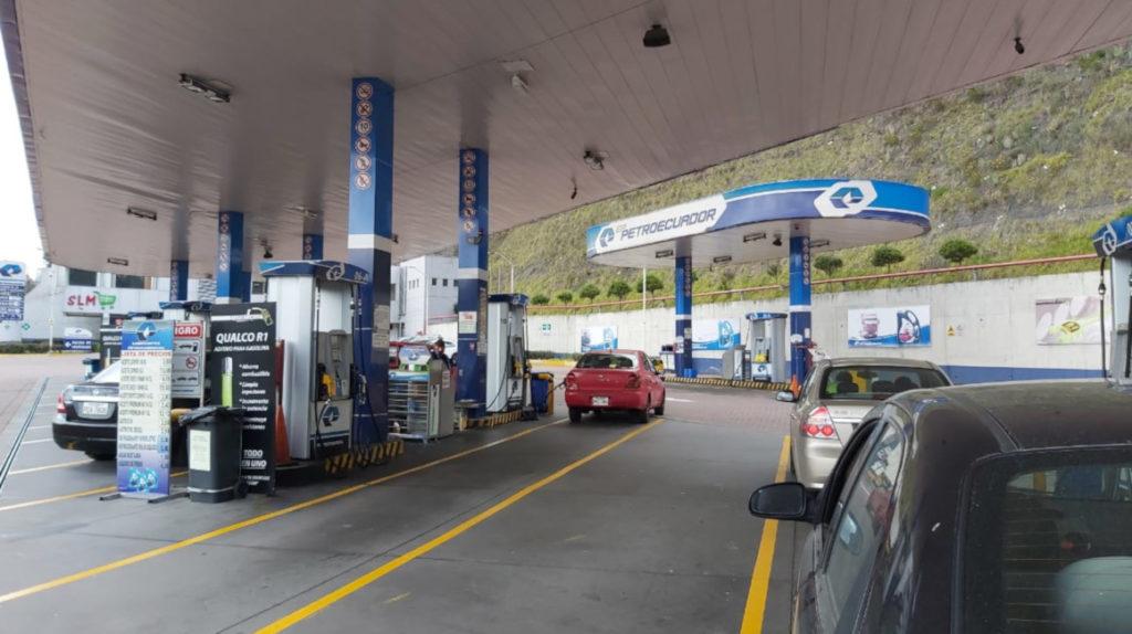 Consumo de combustibles en Ecuador cae 24,4% por restricciones