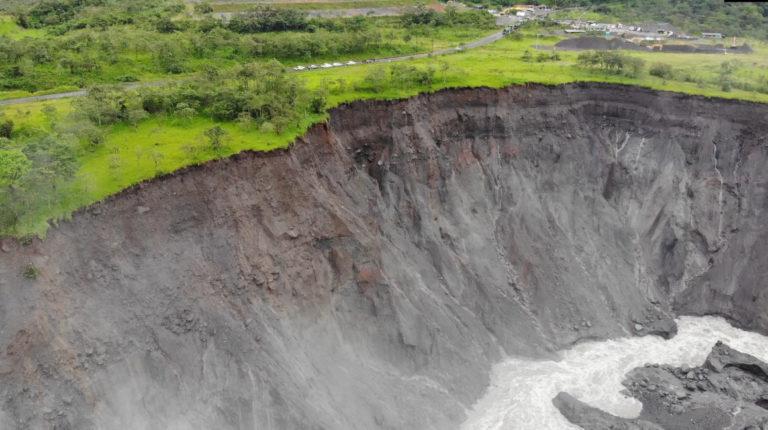 En el sector de San Luis, la erosión del río está a 40 metros de la vía Quito-Lago Agrio hasta el 13 de mayo, según la Alcaldía de El Chaco.