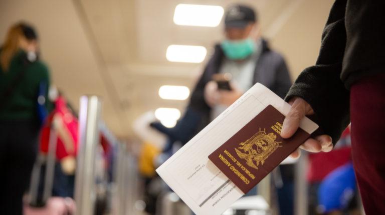 Imagen referencia: El 28 de abril de 2020 retornó un grupo de 230 ecuatorianos en un vuelo humanitario desde Nueva York.