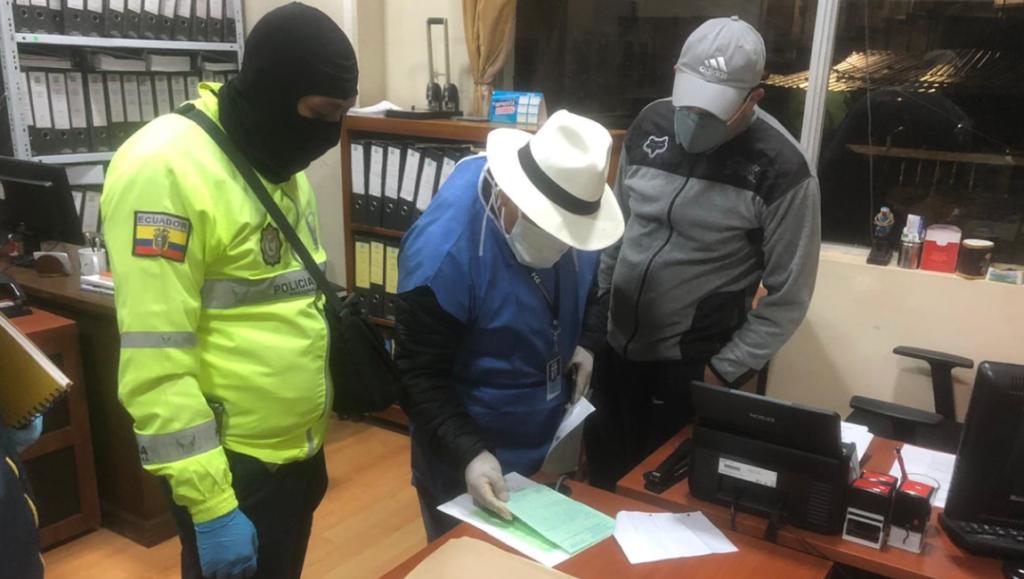 Fiscalía allana cinco inmuebles en Bolívar por presuntos actos de corrupción